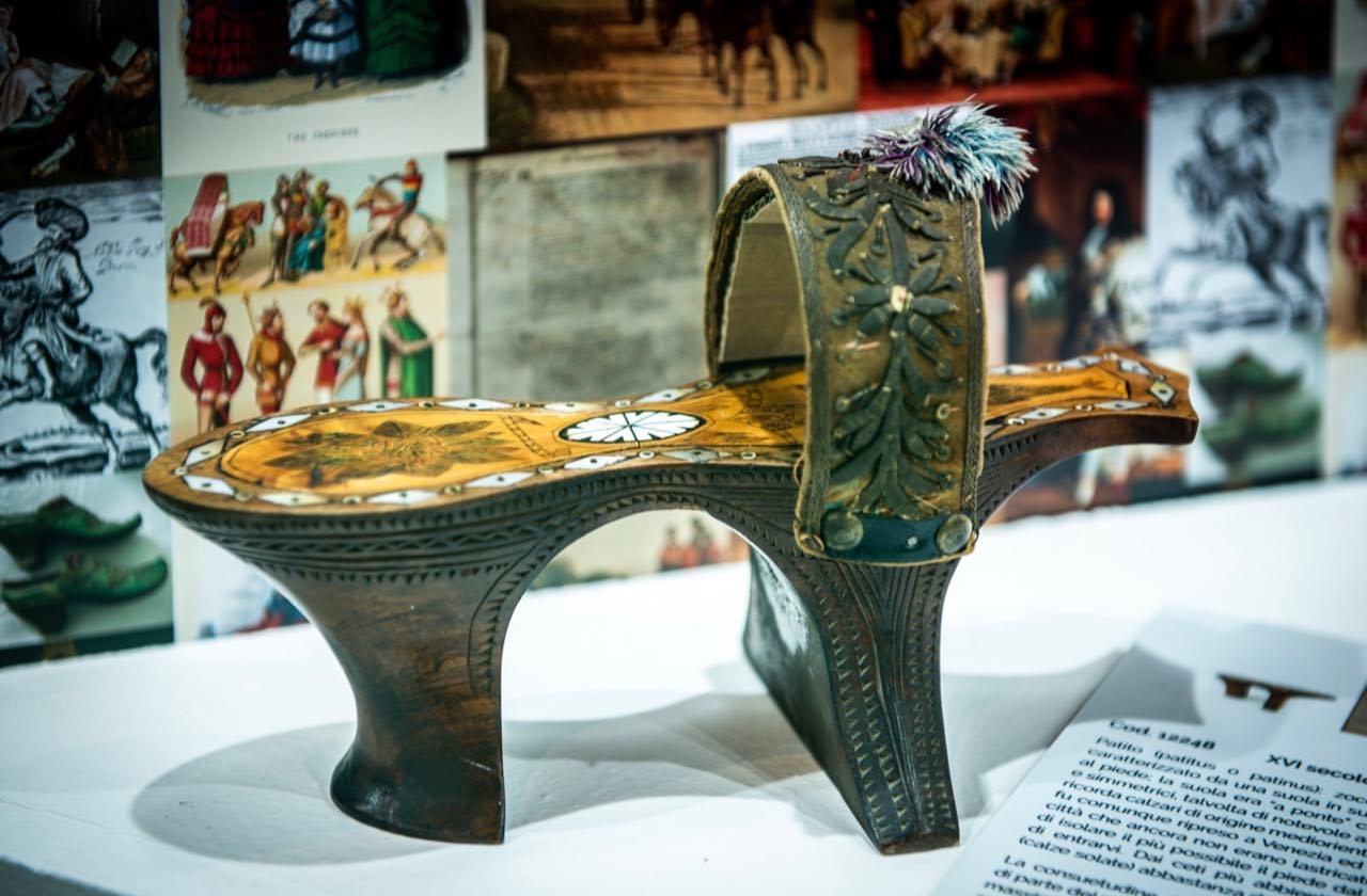 calzatura del XVI secolo